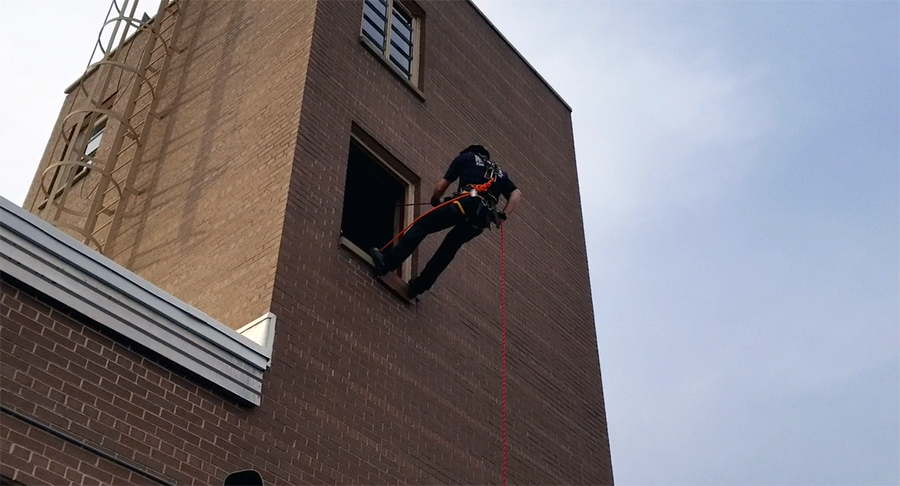 Video: SPFD practices rope rescue training